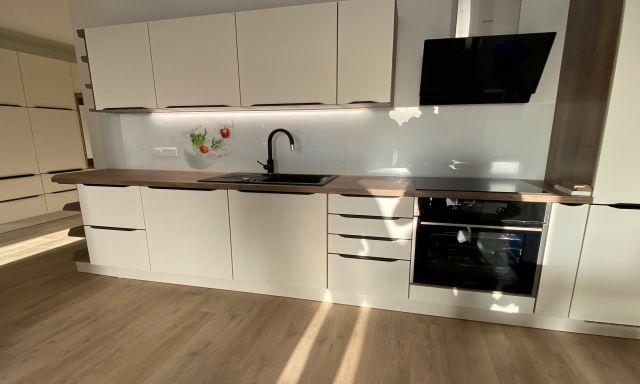 Steklarstvo Kresal – Kuhinjska stenska obloga